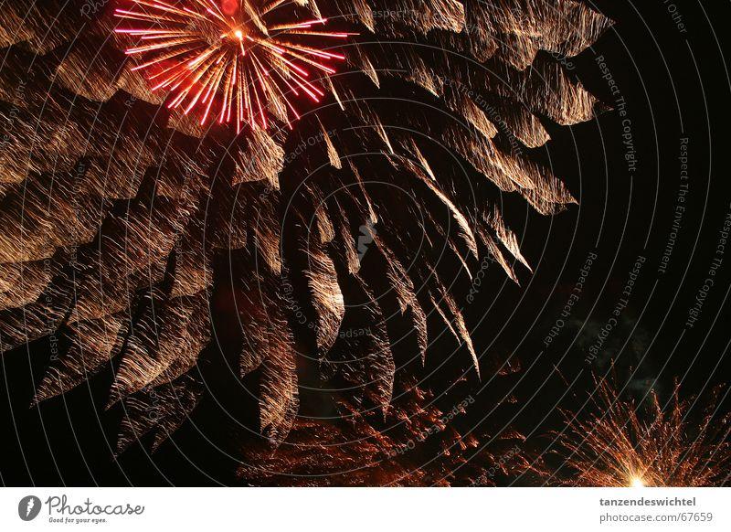 jetzt krachts aber..! dunkel Party hell Feste & Feiern Feuerwerk laut Knall