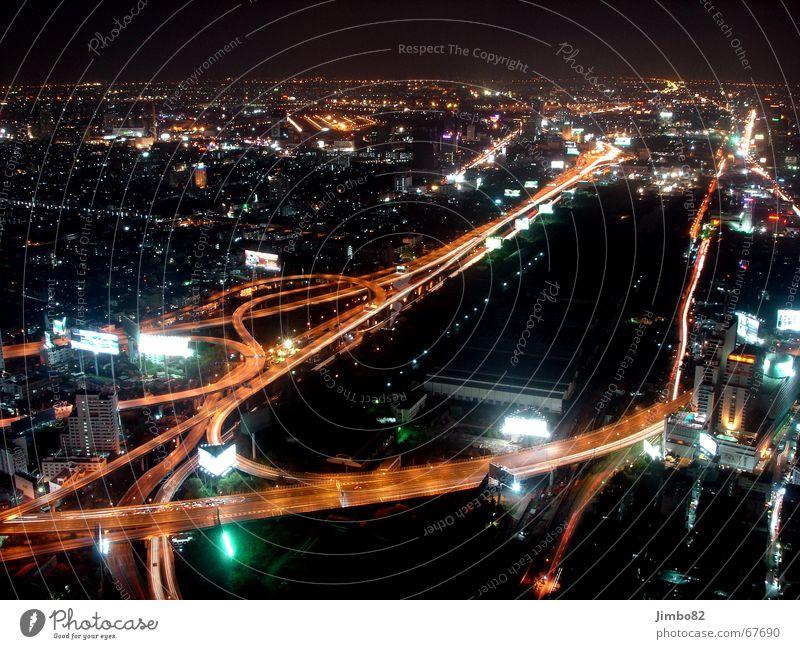 Bangkok bei Nacht Thailand Stadt Verkehr dunkel Straße Licht Kontrast