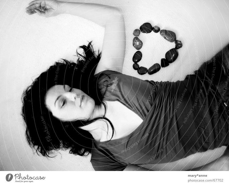 °sehnsucht (2) Frau Liebe Gefühle träumen Stein Herz Sehnsucht