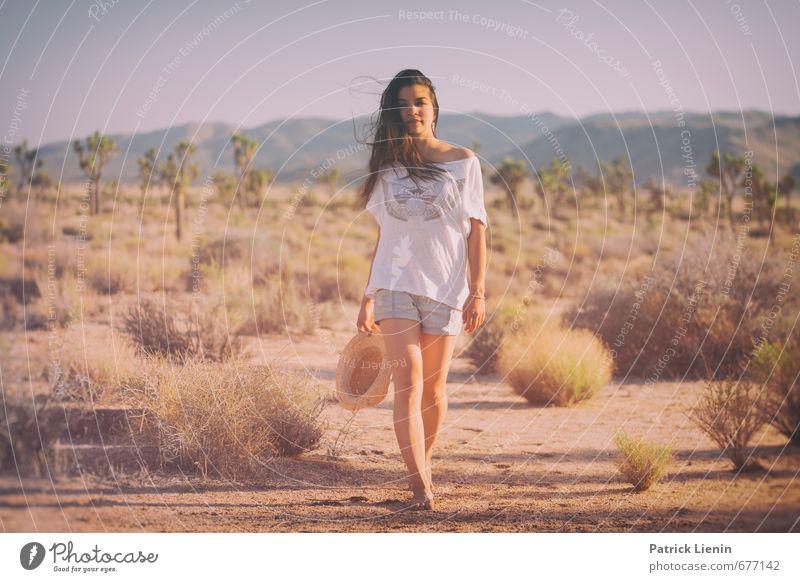 Desert Wind Mensch Frau Natur Jugendliche Junge Frau Erholung Landschaft ruhig 18-30 Jahre Umwelt Erwachsene Leben feminin Gesundheit Stimmung Lifestyle