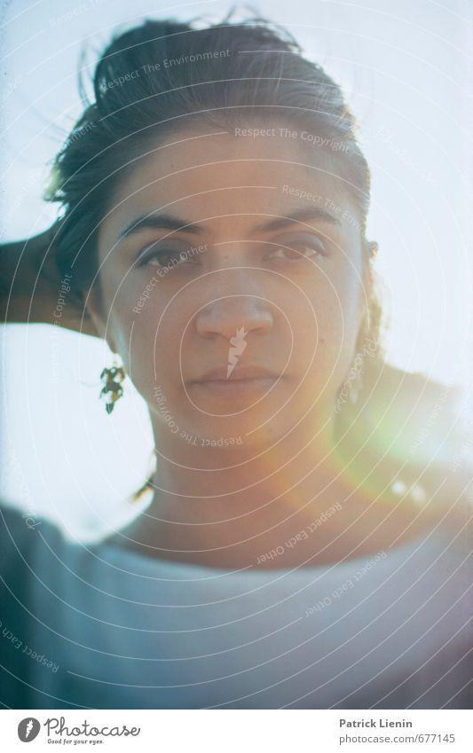 ~ Mensch Frau Jugendliche Ferien & Urlaub & Reisen Erholung ruhig 18-30 Jahre Ferne Gesicht Erwachsene feminin Stil Kopf Lifestyle elegant Design