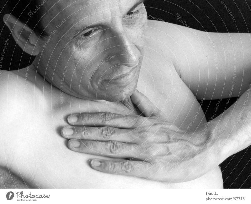 erschöpft Mensch Mann alt Hand Gesicht Erholung nackt Senior liegen maskulin leer kaputt Falte Brust Schmerz Müdigkeit