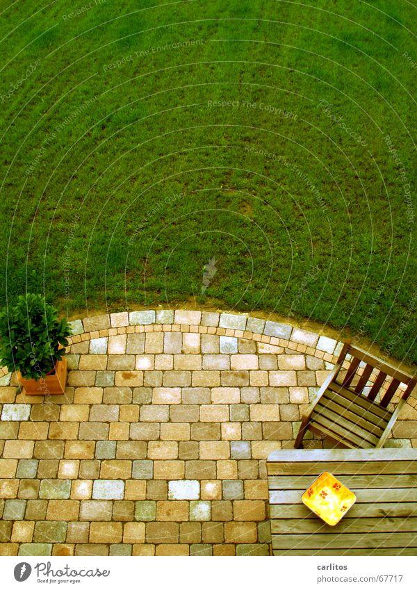 Terrasse aus der Vogelperspektive Sommer Ferien & Urlaub & Reisen Feierabend Wochenende Ruhestand grillgeruch Garten gartenmöbel feinrippunterhemd