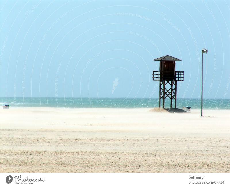 Fußpeeling gefälllig? Strand Meer Wind Holzhütte Einsamkeit sea Himmel blau Sand rettungsschwimmerturm Natur Strandposten