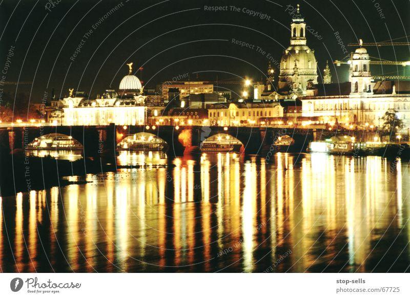 Canaletto bei Nacht Wasser Dresden Elbe Frauenkirche