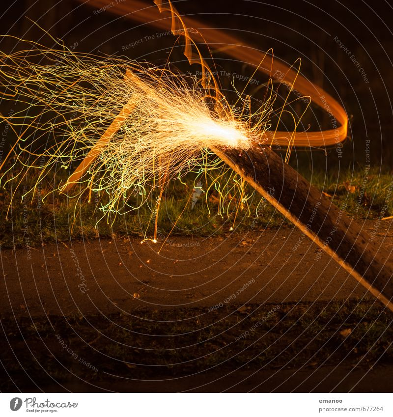 Und goht se nit, dann gilt se nit Freizeit & Hobby Spielen dunkel heiß orange schwarz Feuer Feuerwerk Autofenster Scheibenschlagen Funken Rampe Treffer schießen