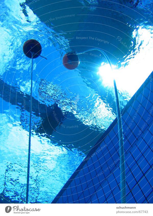 Bojen an der Oberfläche tauchen Freibad Schwimmbad Wasser dive Seil