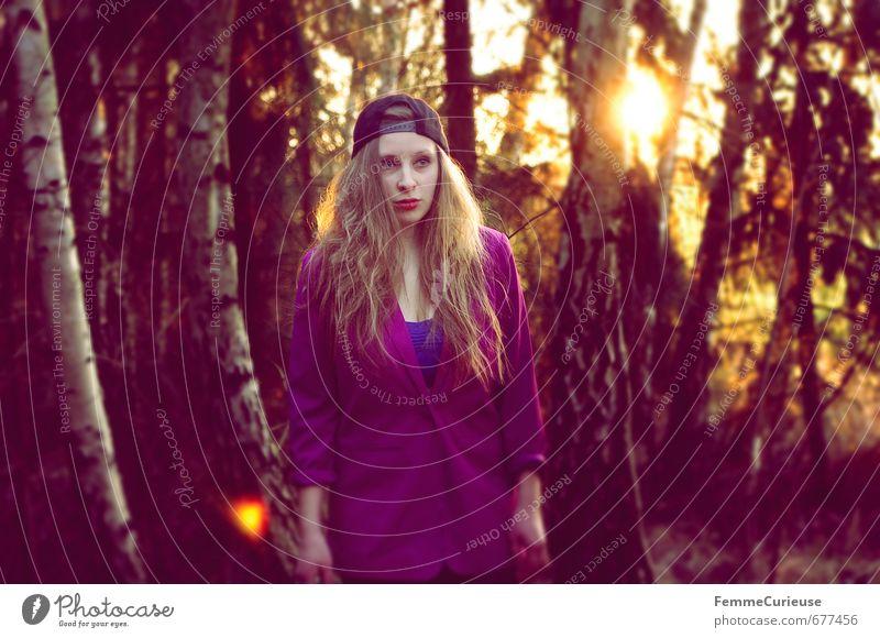 Frühlingserwachen im Wald (III). Mensch Frau Natur Jugendliche Stadt schön Junge Frau 18-30 Jahre Erwachsene feminin Stil Mode Lifestyle Idylle