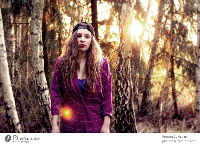 Frühlingserwachen im Wald (IV). Lifestyle Stil schön feminin Mädchen Junge Frau Jugendliche Erwachsene 1 Mensch 18-30 Jahre Mode Identität Idylle einzigartig