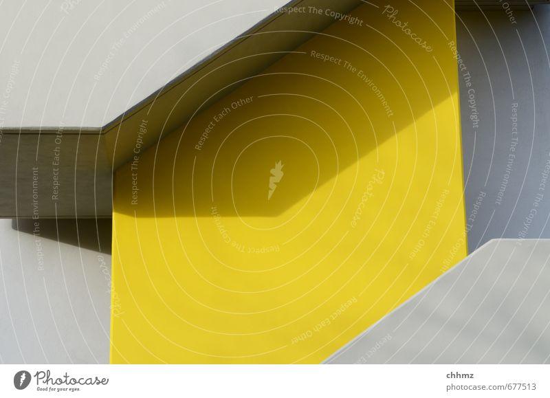 Parallelogramm gelb grau Fassade Design Zufriedenheit Treppe Beton Geländer Treppengeländer Handwerk aufwärts eckig abwärts steigen erschließen Richtung