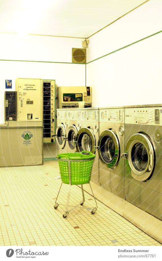 Clean alt grün hell retro Waschmaschine Überbelichtung old-school Waschsalon