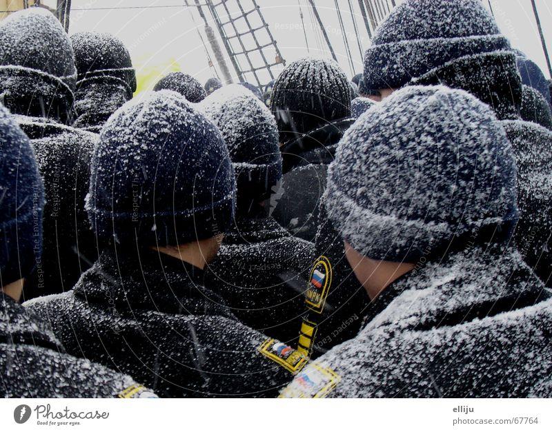 Winteranfang kalt Schnee Wärme Mütze Schifffahrt Segel Heimweh