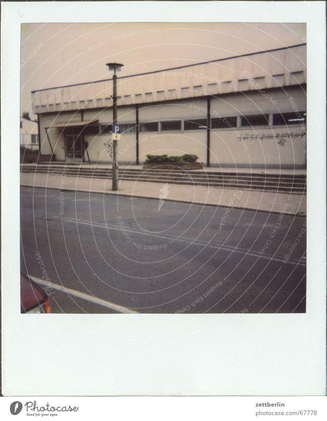 Polaroid VIII Armut Supermarkt Klischee Markt