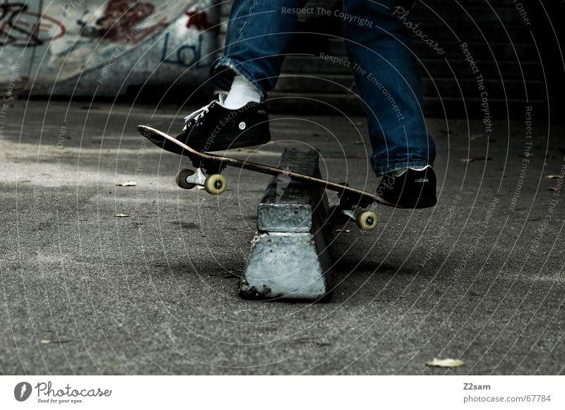 Frontside Boardslide Skateboarding Zufriedenheit Trick Stunt Sport Stil Parkdeck rail Funsport