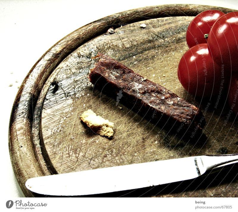 Ich kauf mir ein Baguette und treff mich mit Jeanette. Ernährung Wissenschaften Brot Abendessen Fleisch Mahlzeit Messer Tomate Haushalt Schneidebrett Wurstwaren Gemüse Vesper satt Tafelmesser Krümel