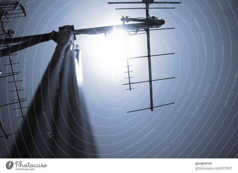 { VOLL AUF EMPFANG } alt oben Technik & Technologie Dach Fernsehen Top Radio Antenne Software transferieren einfangen Verstärker Rundfunksendung
