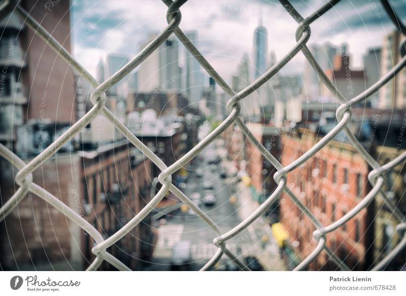 Sidewalk Safari Stadt Stadtzentrum Skyline bevölkert Haus Bankgebäude Bauwerk Gebäude Stimmung Surrealismus New York City Zaun Chinatown Maschendrahtzaun