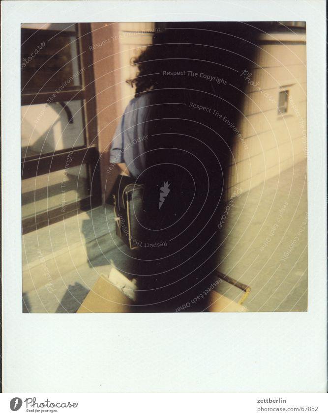 Polaroid IX Serviertisch Arbeit & Erwerbstätigkeit unterforderung Güterverkehr & Logistik Straße perspektive ohne sicht wbs 70