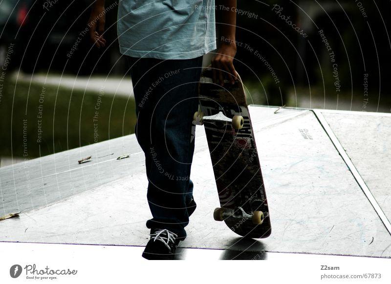 the way to spot Skateboarding gehen Sport Rampe glänzend Pause tragen laufen Wege & Pfade Funsport Parkdeck schreiten