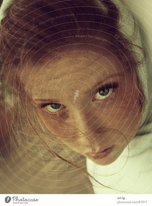 bitte liebe die momente alt Auge Einsamkeit Gefühle Haare & Frisuren Mund glänzend Sehnsucht Piercing Kapuze rothaarig Gesicht