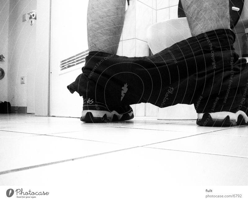 Daneben!? Mann Schuhe Bad Häusliches Leben Toilette Hose