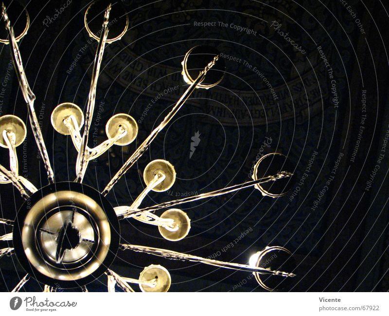 Lüster dunkel Lampe Metall hell Religion & Glaube Beleuchtung glänzend gold Kreis Dekoration & Verzierung Decke edel Geometrie Ornament Gotteshäuser Kronleuchter
