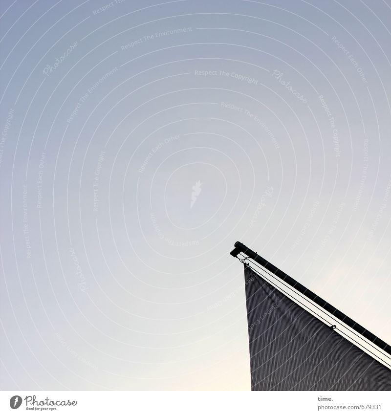 Freibeuter der Großstadt Himmel Einsamkeit Erholung Traurigkeit trist Design ästhetisch Schönes Wetter einfach niedlich Abenteuer Kunststoff Fahne Konzentration entdecken Müdigkeit