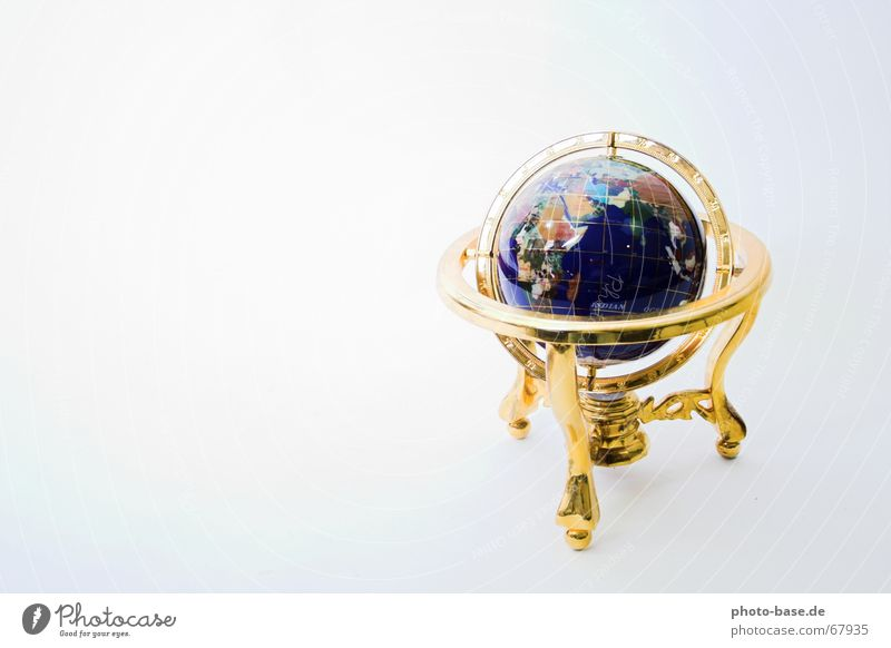Around the World Erde gold Kugel Wegweiser Planet Kompass dreibeinig