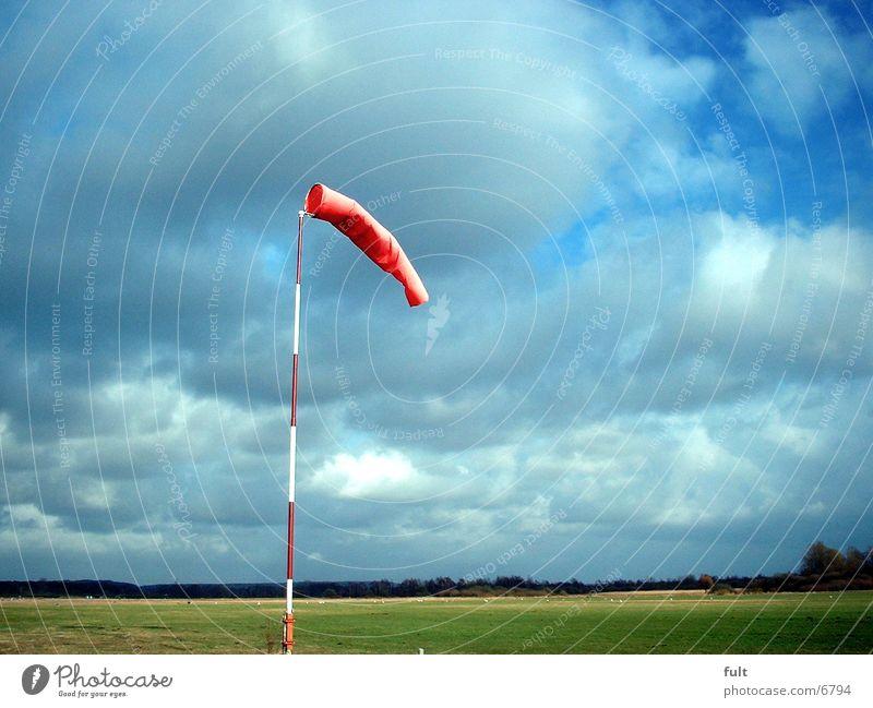 Windsack Sack rot Dinge Lanschaft Himmel Kontrast