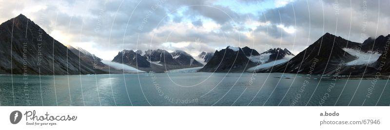 Spitzbergen Magdalenenbucht Meer Sommer Wasserfahrzeug Norwegen Norden Polarmeer