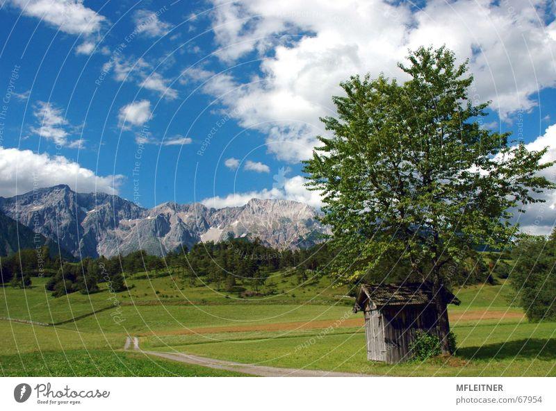 Traumlandschaft Mieming Tirol Himmel grün Wolken Wiese Berge u. Gebirge Österreich Bundesland Tirol