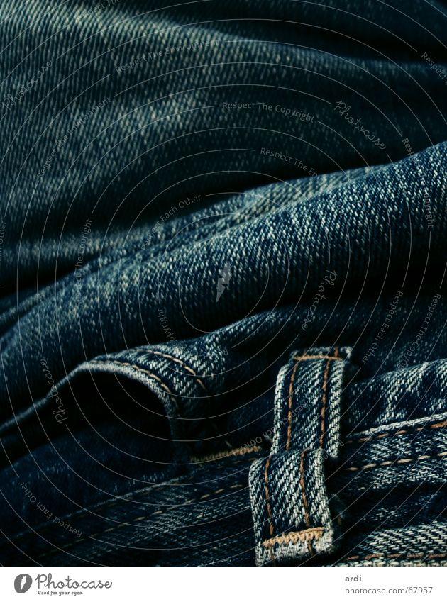 Jeans Hose Stoff Tasche Wellen Naht Bekleidung Material Jeanshose Nähgarn Baumwolle lasche Falte Strukturen & Formen pants trousers cloth clothes wear textile