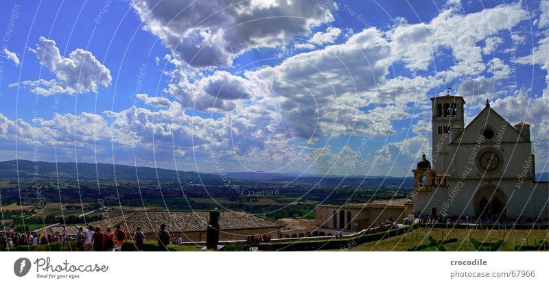 Assisi Wolken Feld Baum Panorama (Aussicht) Gotteshäuser Sommer Himmel Kitsch Religion & Glaube Basilika Ferne Berge u. Gebirge Turm groß Panorama (Bildformat)