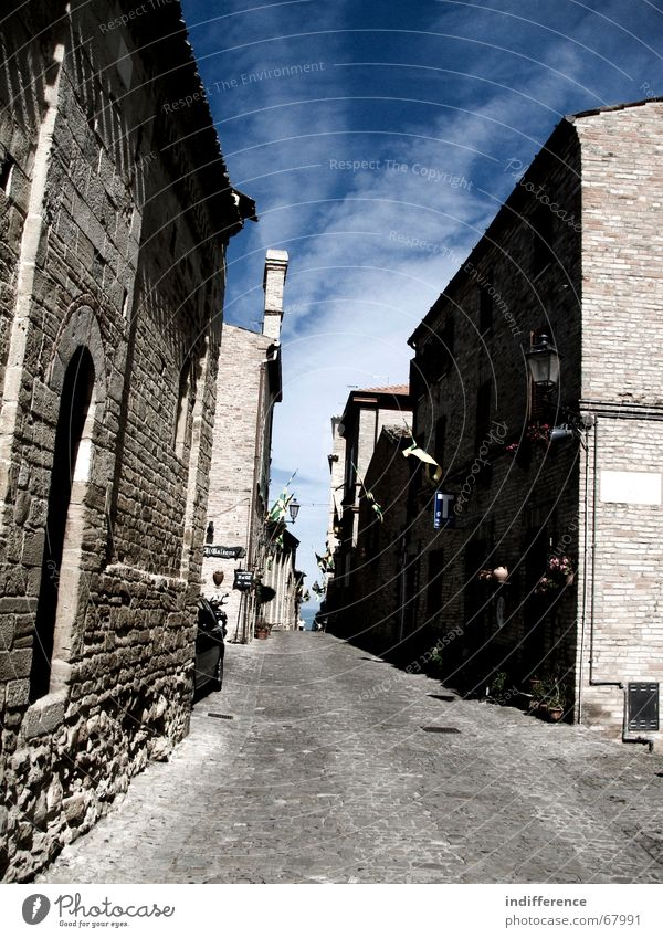 "Torre di Palme ""marche/italy"" Himmel Italien Marche medieval building street sky clouds town"