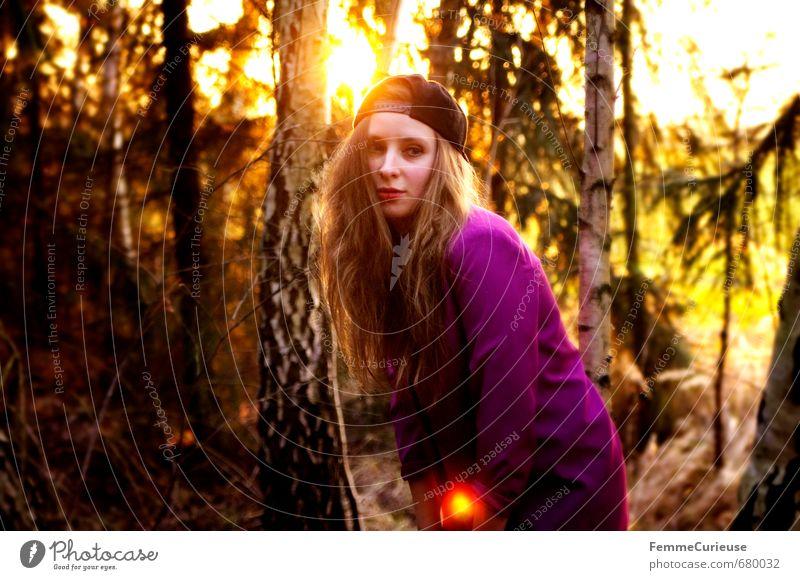 Frühlingserwachen im Wald (VI). Lifestyle Stil schön feminin Junge Frau Jugendliche Erwachsene 1 Mensch 13-18 Jahre Kind 18-30 Jahre Mode Natur Hipster trendy