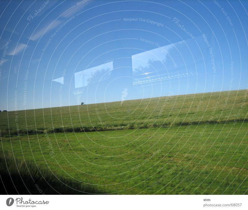 roadmovie 03 Eisenbahn Gleise unterwegs Ferien & Urlaub & Reisen Wiese Windzug Reflexion & Spiegelung rastlos Geschwindigkeit verloren Landschaft Himmel