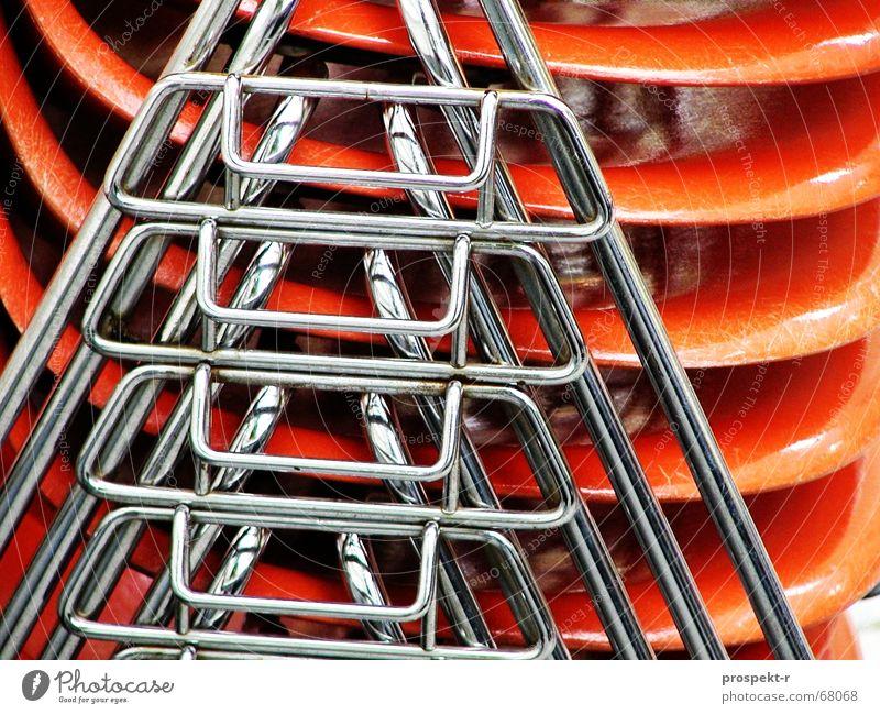 Stuhlturm Eisen Chrom 5 4 Stapel Muster Kunststoff Statue stapelbar reflektion