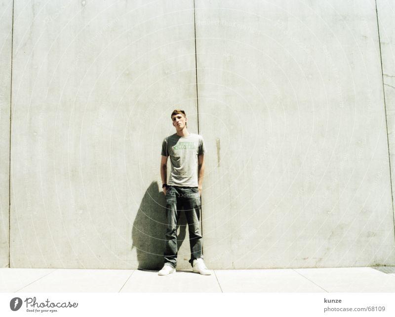 am Strich 2 Sonne schwarz Wand Wärme Linie hell Beton hoch T-Shirt Physik heiß lang Hose analog Spalte Scan