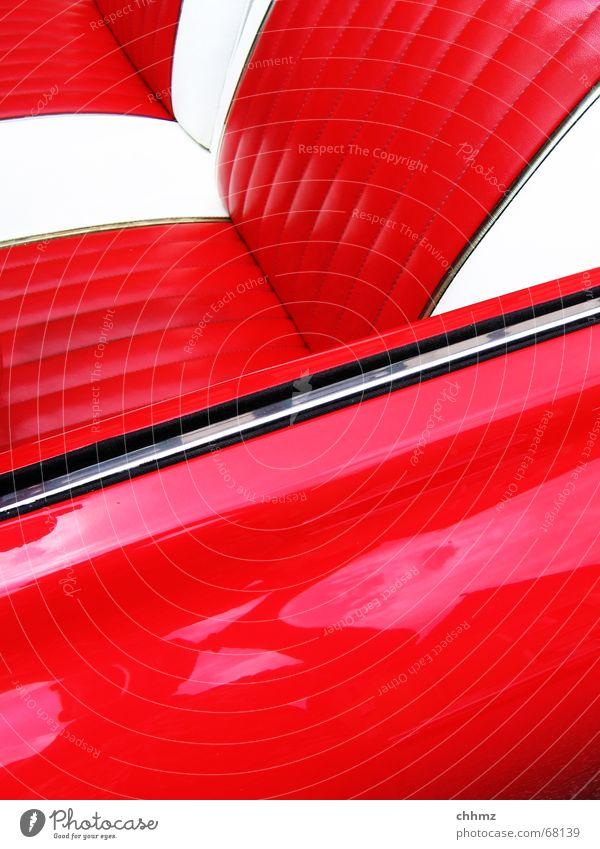 rot in rot PKW Amerika Kunststoff Fahrzeug Nostalgie Sitzgelegenheit Oldtimer Lack kultig Chrom Stuhllehne Fünfziger Jahre Cabrio