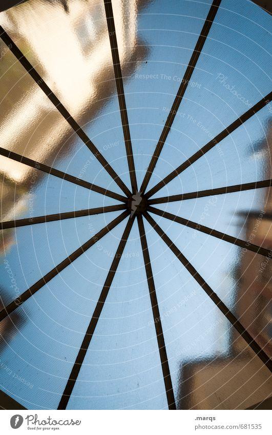 Dach Stadt Haus Architektur Gebäude außergewöhnlich Fassade Häusliches Leben modern Glas Perspektive hoch Stern (Symbol) Wolkenloser Himmel eckig Innenhof