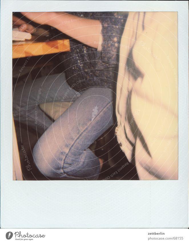 Polaroid X - Mama Jeanshose Schreibtisch Pullover Tisch Wolle