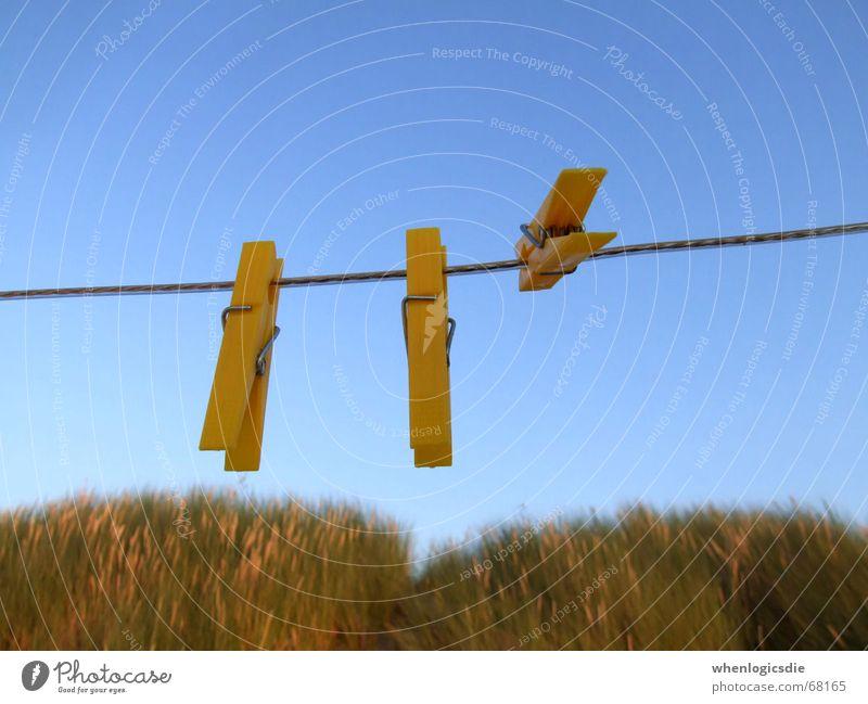 3 Himmel Strand gelb Seil festhalten Stranddüne