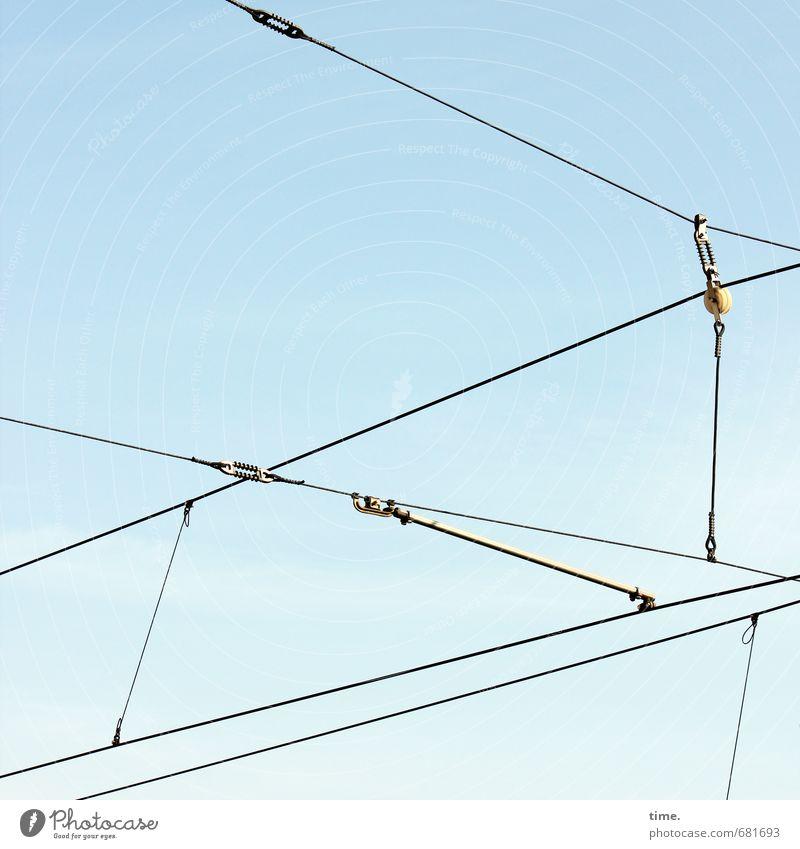 Leitungsebene (III) Himmel Linie Metall Design Verkehr Energiewirtschaft Schönes Wetter Kommunizieren Technik & Technologie Güterverkehr & Logistik Netzwerk