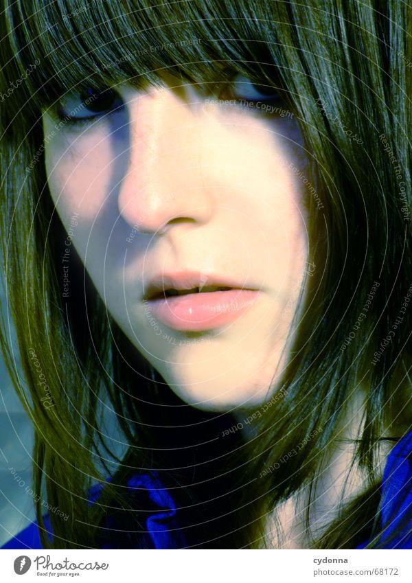 Gesicht Kosmetik Frau Stil Model Porträt Haare & Frisuren retro vergangen stumm schön session Mensch Kontrast Blick Gesichtsausdruck Kopf Schatten ponny