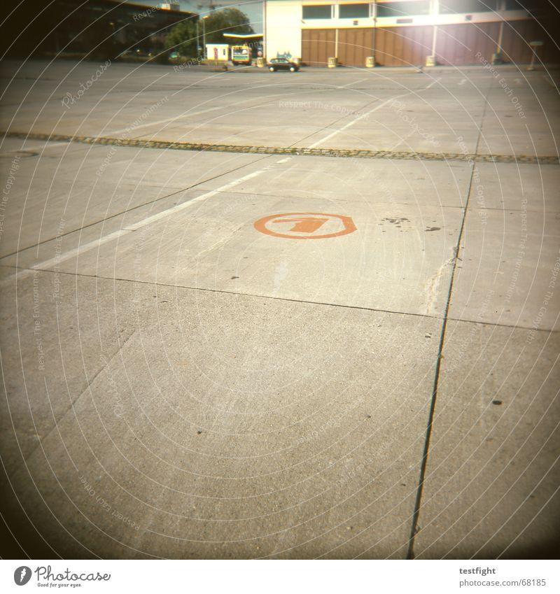 no 1 Wärme Gebäude Stein Raum Beton Platz Industriefotografie Fabrik Physik Unternehmen Lagerhalle Parkplatz Ziffern & Zahlen