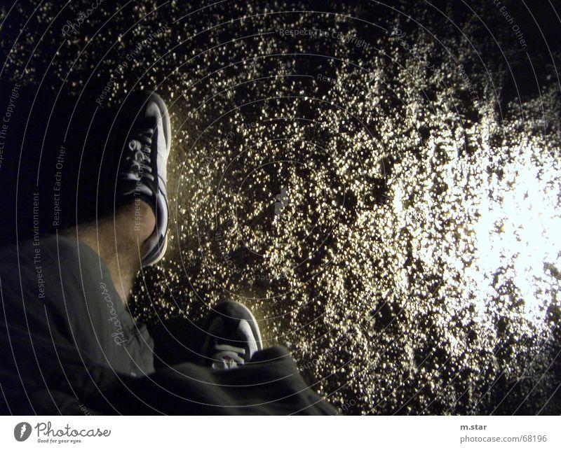 sidelightright Schuhe Licht Lampe Hose Wade dunkel Nacht Beine Sand Kontrast