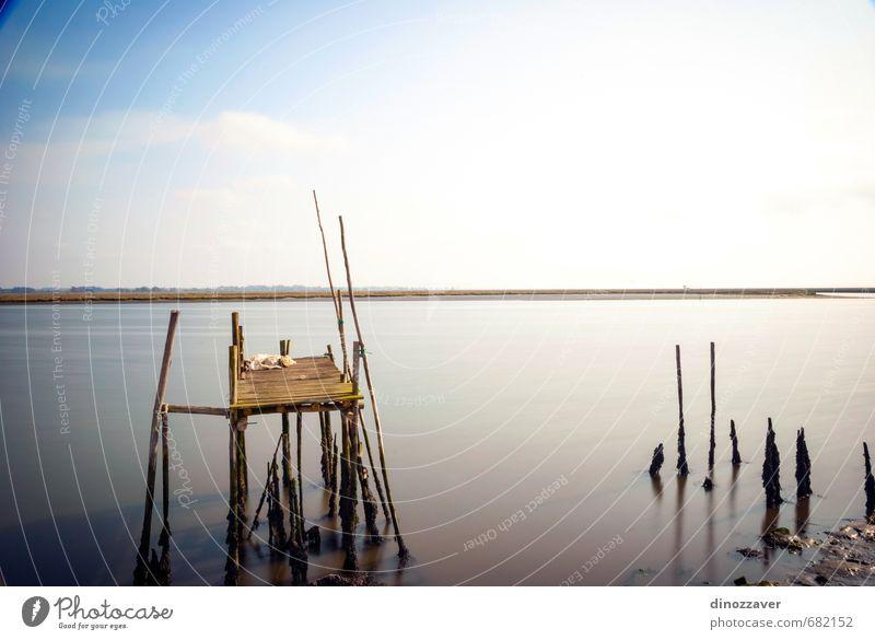 Alter Holzpfeiler ruhig Ferien & Urlaub & Reisen Sommer Strand Meer Natur Landschaft Himmel Horizont Küste See Fluss Brücke Wege & Pfade alt blau Einsamkeit