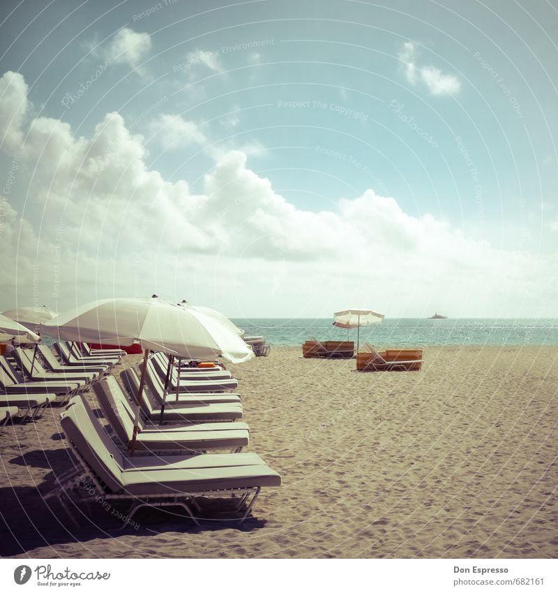 Nothing like Miami Beach Ferien & Urlaub & Reisen Sommer Sonne Meer Erholung Strand Schwimmen & Baden Glück liegen Freizeit & Hobby Lifestyle Zufriedenheit Tourismus Schönes Wetter retro Lebensfreude