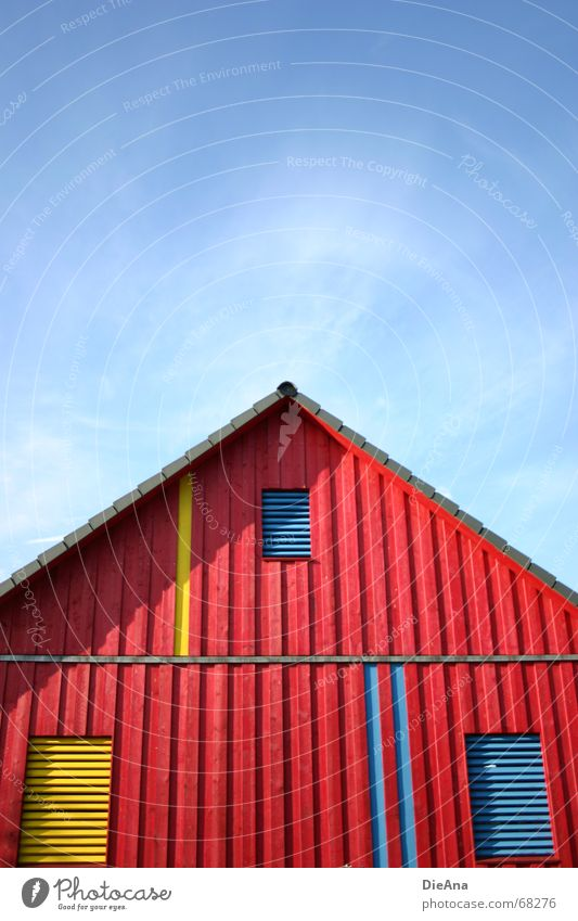 2:1 für die Blauen Himmel blau Sommer rot Haus gelb Fenster Holz Gebäude Schönes Wetter Dach Spitze Top August Holzmehl