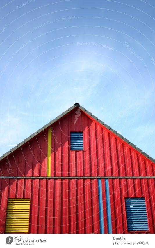 2:1 für die Blauen Sommer Haus Himmel Schönes Wetter Gebäude Fenster Dach Holz Spitze blau gelb rot Holzmehl Top August building roof red blue window sky